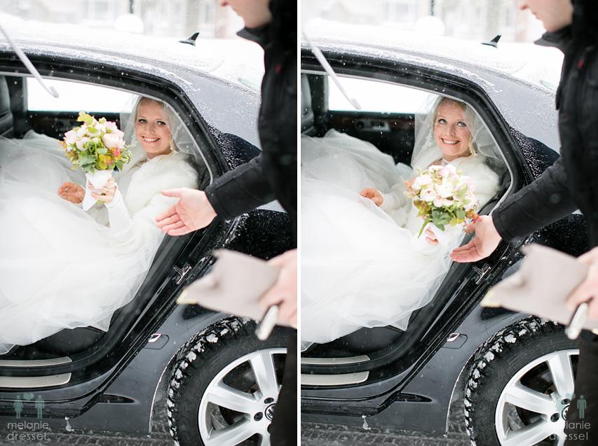 Ankunft der Braut an der Kirche