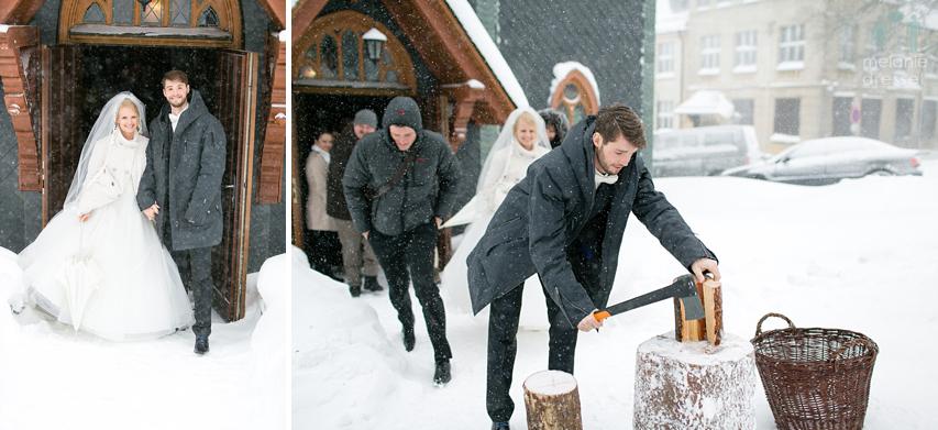 Hochzeitsauszug aus der Kirche im Schnee