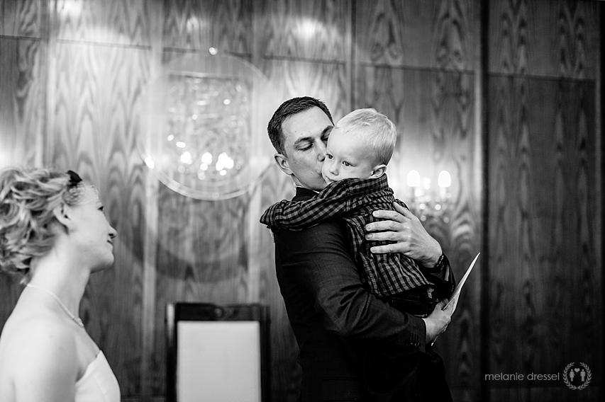 dem Brautpaar wird gratuliert im Hochzeitshaus Erfurt