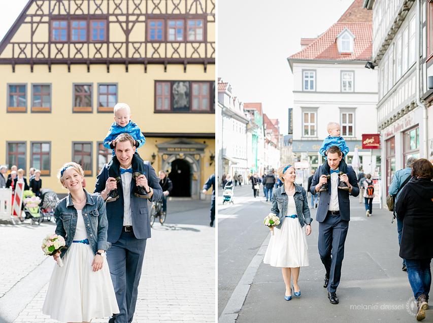 Hochzeitspaar vor dem Hochzeitshaus in Erfurt