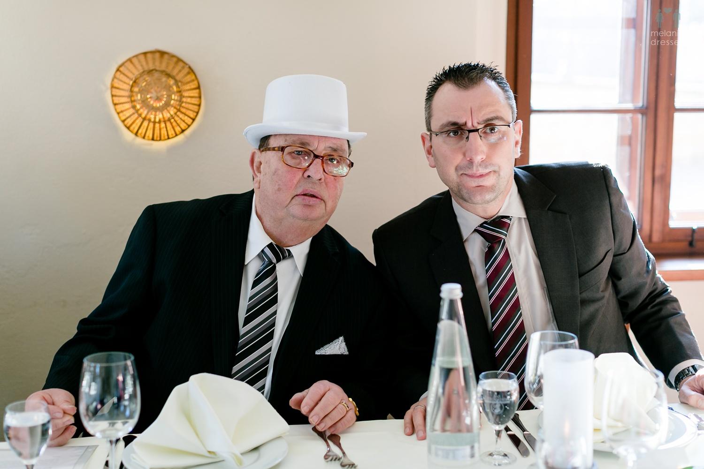 Hochzeitsgäste im Lummerschen Backhaus Gera.