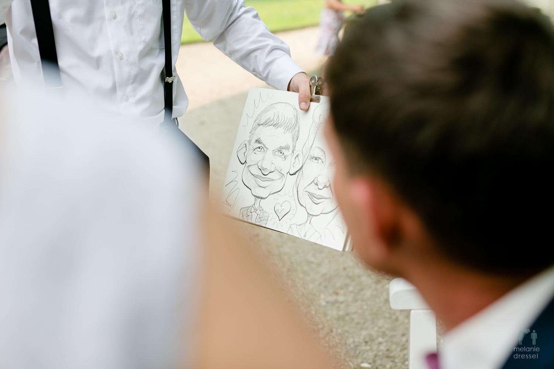 Jörg Steinhof als Karikaturist auf einer Hochzeit im Schloß Schweinsburg