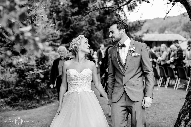 Brautpaar nach der Trauung, , fotografiert von Hochzeitsfotograf Melanie Dressel