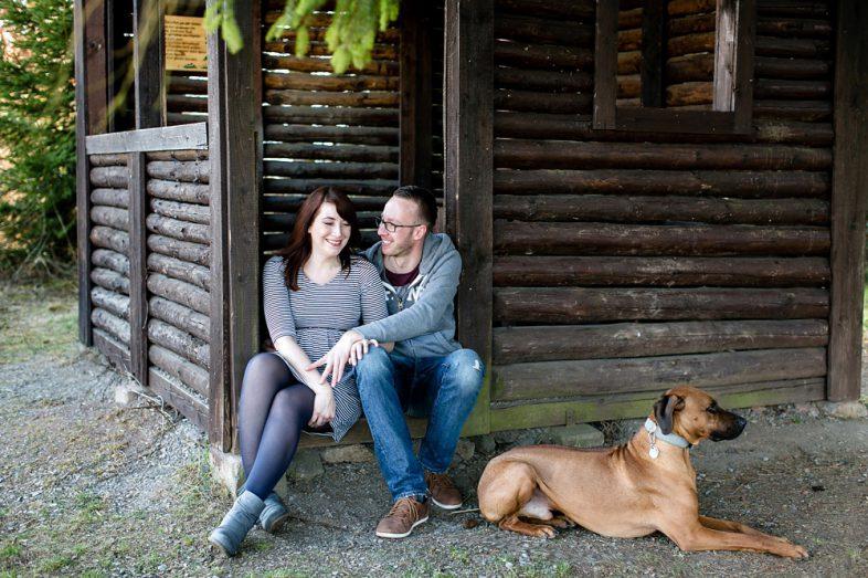 Featured Picture Melanie Dressel Schwangerschaftsfotografie mit Hund