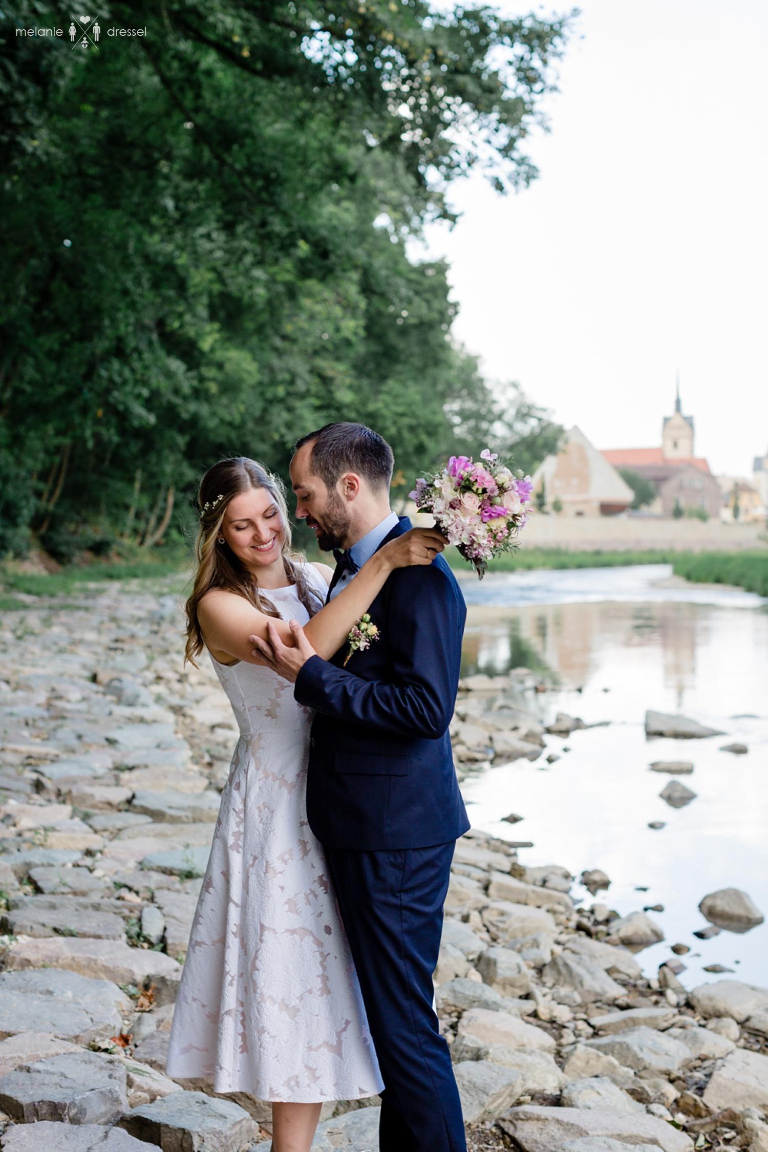 Brautpaar in Gera Untermhaus. Fotografiert von Hochzeitsfotografin Melanie Dressel, Gera.