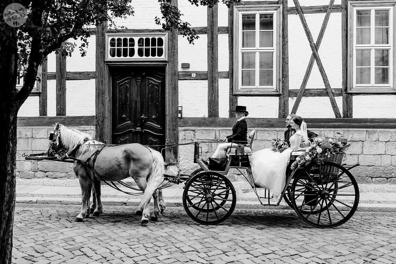 Hochzeitskutsche in Quedlinburg - Hochzeitsfotografin Melanie Dressel