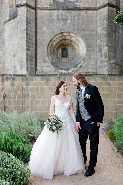 Brautpaar am Schloss Quedlinburg -Ansicht Schloss Quedlinburg - Hochzeitsfotograf Melanie Dressel